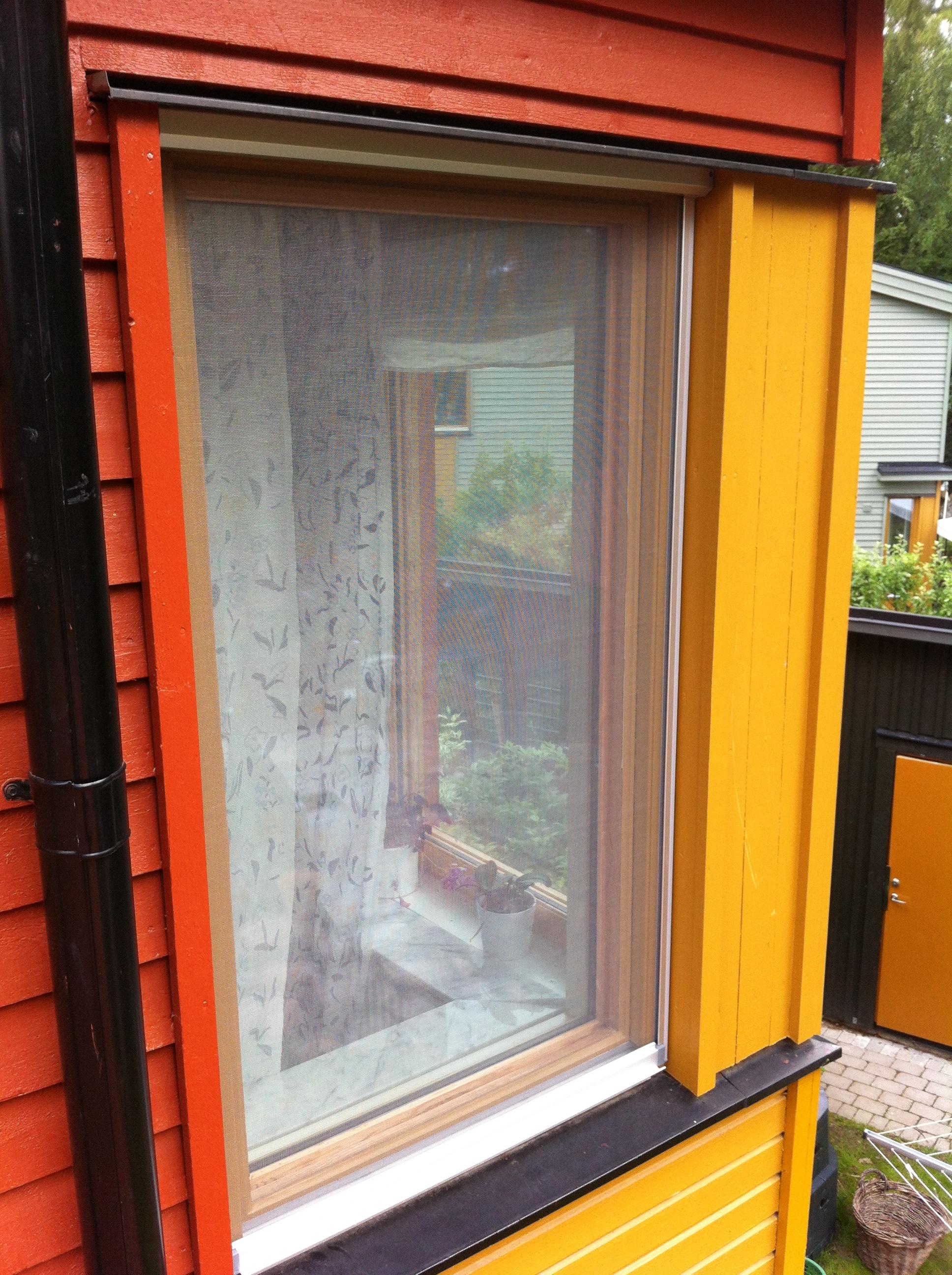 Myggfönster utvändigt